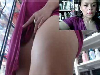 milf en la farmacia en vestido violeta parte 1