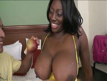 Latin Girl With Amazing Body 3