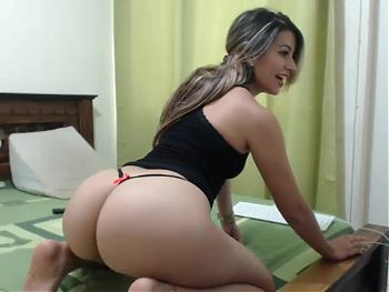Latino girl with awesome ass 3 - webcam