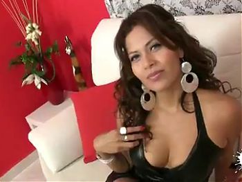 Ecuadorian hottie Ambar Isbell